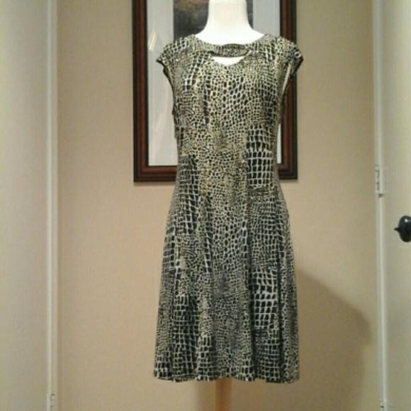 Gabby Skye Dresses & Skirts - Gabby Skye    mini dress